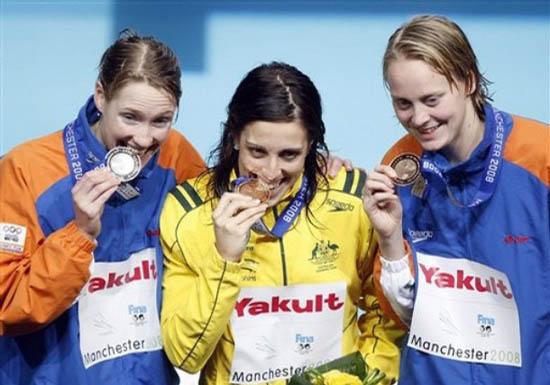 Felicity Galvez wint goud op 50m vlinderslag tijdens WK kortebaan in Manchester 2008