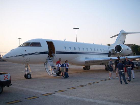 Met een prive-jet naar Italie, niet slecht voor een sporter